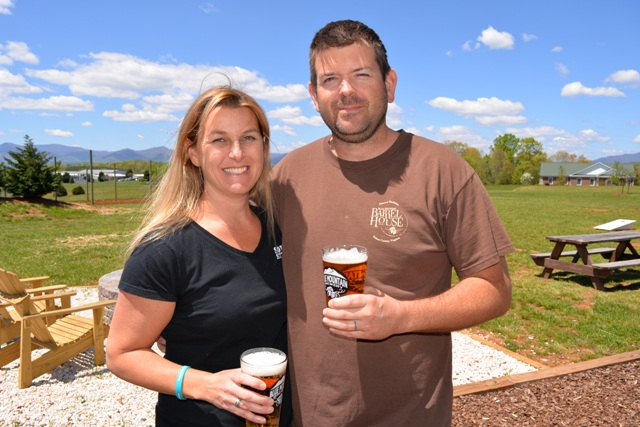 Married with a Blue Mountain View: An interview with Taylor and Mandi Smack